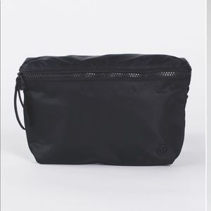 Lululemon Go Lightly Bag Black